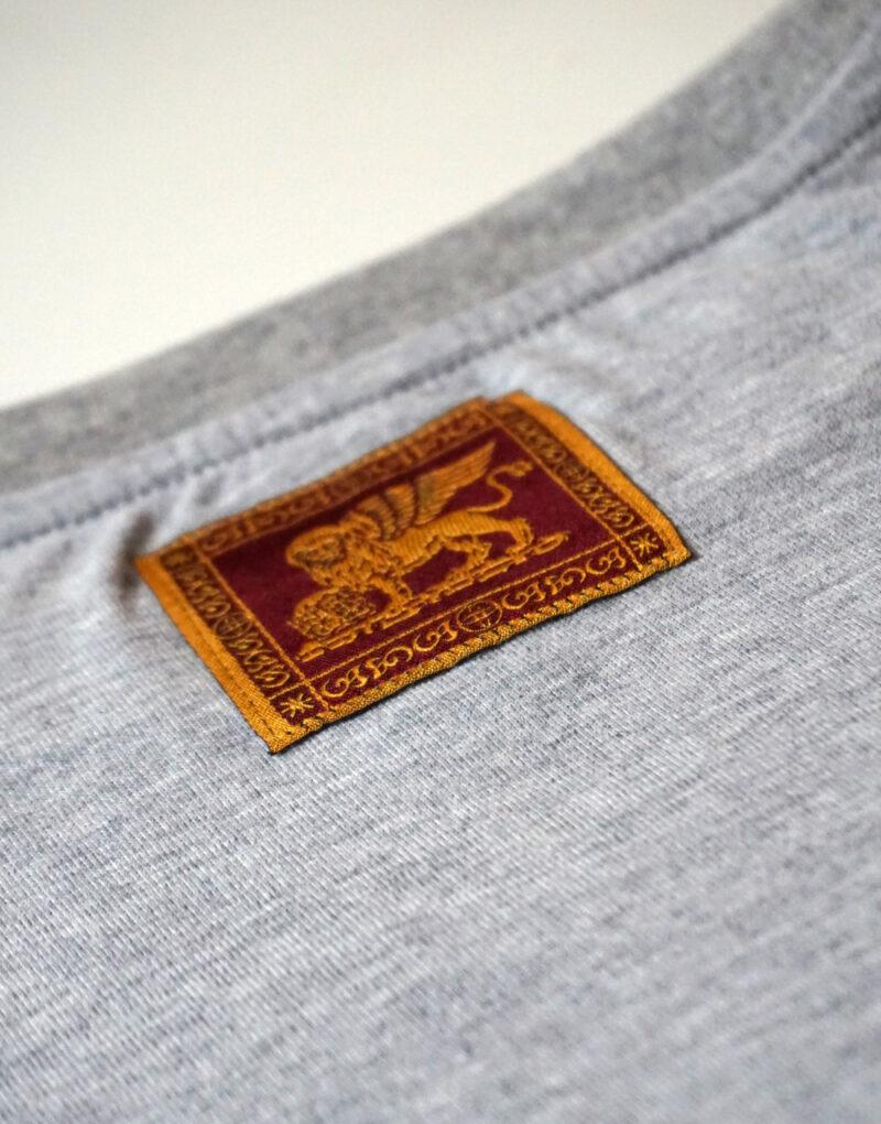 t-shirt-veneto-doc-grigia-etichetta-leone-san-marco